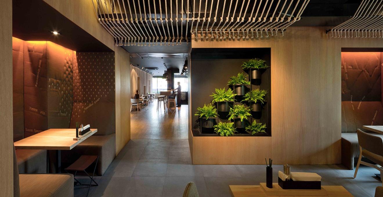 Интерьер внутри ресторана